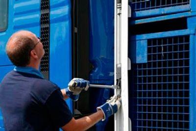 Sprężyny gazowe do autobusów i ciężarówek (2)